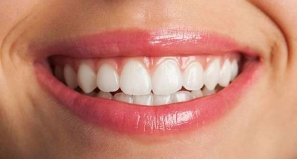 blanchiment dentaire a la maison